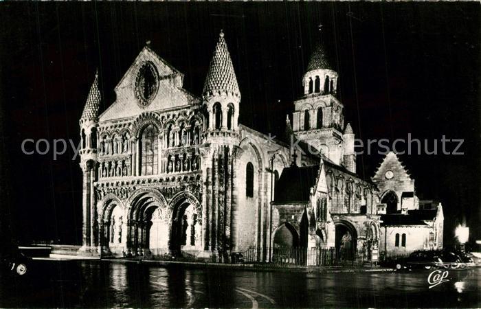 AK / Ansichtskarte Poitiers_Vienne Eglise Notre Dame la Grande illuminee Poitiers Vienne