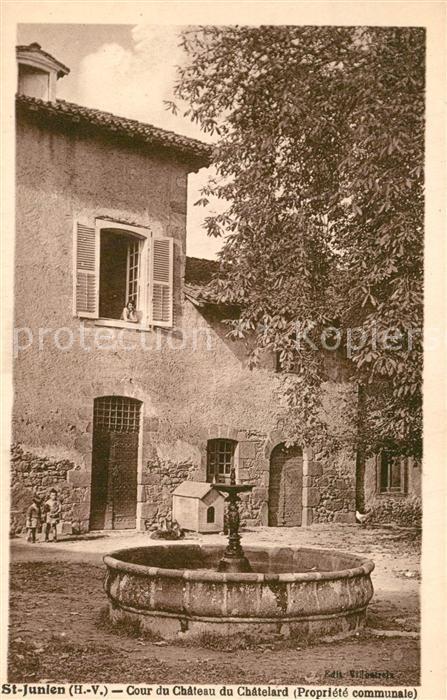 AK / Ansichtskarte Saint Junien Cour du Chateau du Chatelard Saint Junien