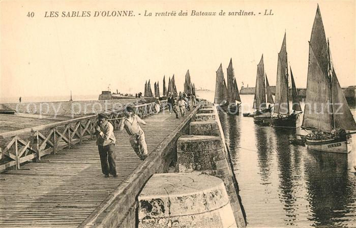 AK / Ansichtskarte Les_Sables d_Olonne La rentree des Bateaux de sardines Les_Sables d_Olonne