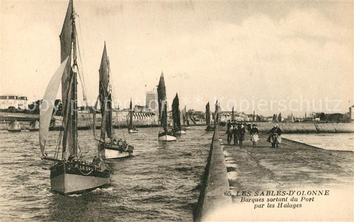 AK / Ansichtskarte Les_Sables d_Olonne Barques sortant du Port par les Halages Les_Sables d_Olonne 0