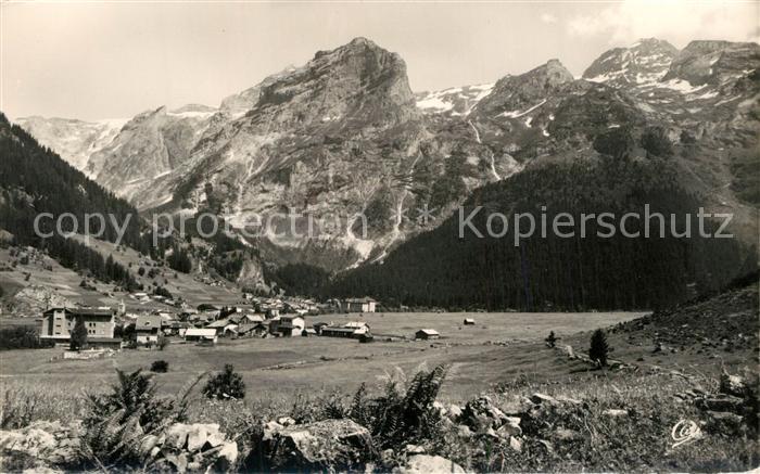 Pralognan la Vanoise Vue generale et le Grand et Petit Marchet Alpes Francaises Pralognan la Vanoise