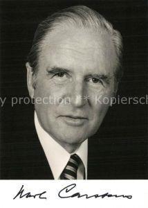 AK / Ansichtskarte Politiker Karl Carstens Autogramm  Politiker