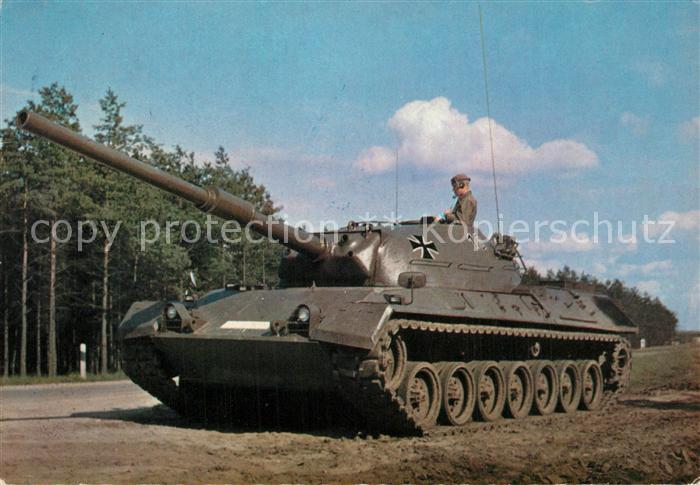 AK / Ansichtskarte Militaria_Panzer Deutsche Bundeswehr Standardpanzer  Militaria Panzer