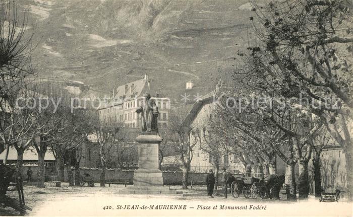 AK / Ansichtskarte Saint Jean de Maurienne Place et Monument Fodere Saint Jean de Maurienne 0