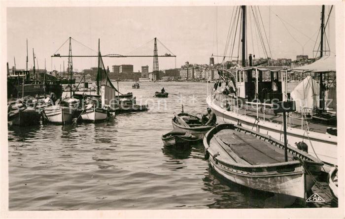 AK / Ansichtskarte Marseille_Bouches du Rhone Un coin du Vieux Port Marseille