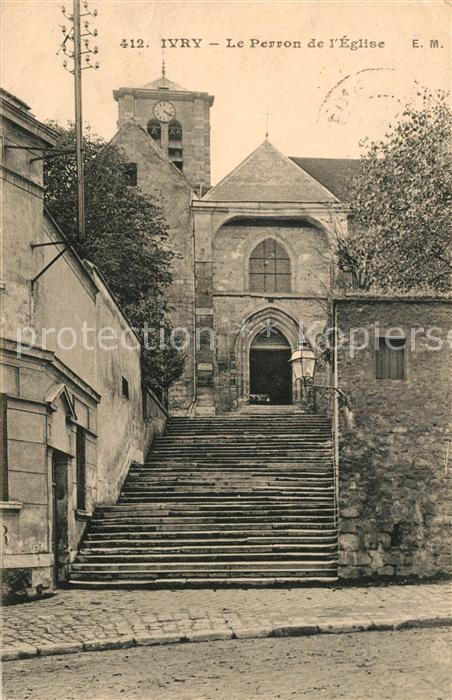 AK / Ansichtskarte Ivry sur Seine Le Perron de l Eglise Ivry sur Seine