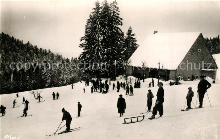 AK / Ansichtskarte Hauteville Lompnes Ferme Guichard en hiver Sports d hiver Hauteville Lompnes