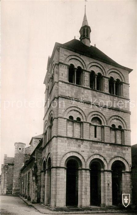AK / Ansichtskarte Ebreuil Eglise Saint Leger Monument historique XIIe siecle Ebreuil