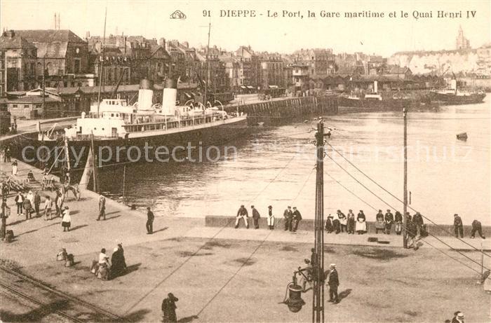 AK / Ansichtskarte Dieppe_Seine Maritime Le Port Gare maritime et Quai Henri IV Dieppe Seine Maritime