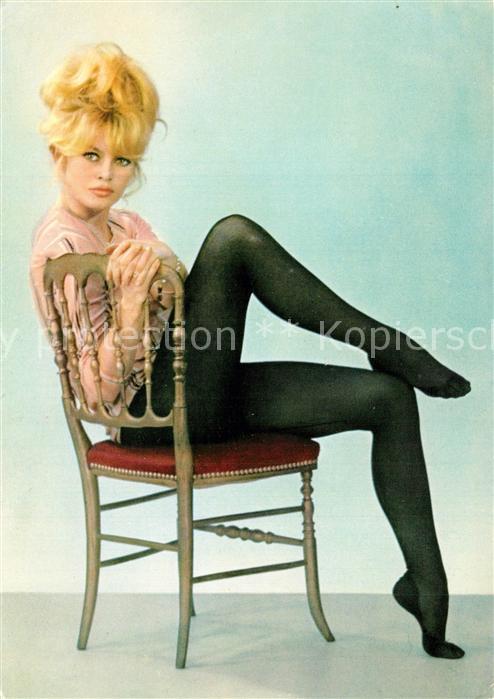 AK / Ansichtskarte Schauspieler Brigitte Bardot