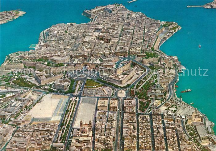 AK / Ansichtskarte Malta Valletta and Floriana Granaries Fliegeraufnahme Malta