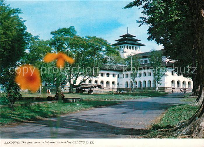 AK / Ansichtskarte Bandung The government administrativebuilding Gedung Sate Bandung