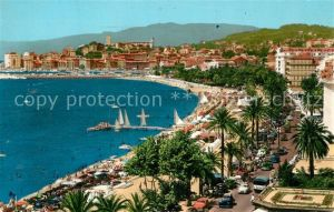 AK / Ansichtskarte Cannes_Alpes Maritimes Plage de la Croisette au fond Suquet et le Port Cote d Azur Cannes Alpes Maritimes