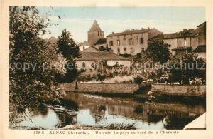 AK / Ansichtskarte Aunac Un coin du pays au bord de la Charente Aunac