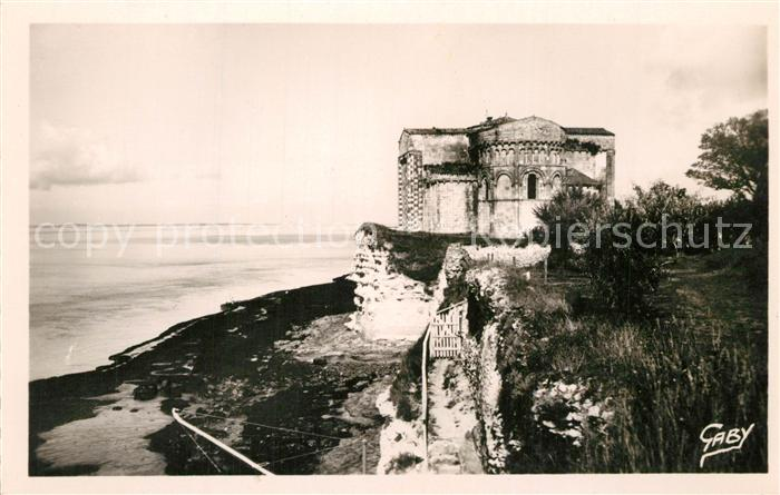 Talmont sur Gironde Eglise romane XIe siecle Monument historique Talmont sur Gironde