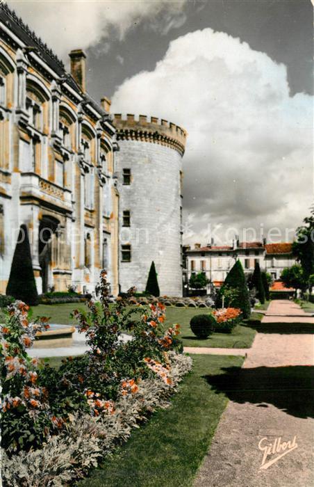 AK / Ansichtskarte Angouleme Jardins public Hotel de Ville Tour de Marguerite de Valois Angouleme