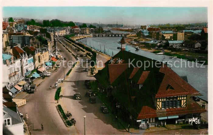 AK / Ansichtskarte Trouville sur Mer Vue sur la Poissonnerie et la Touques Trouville sur Mer