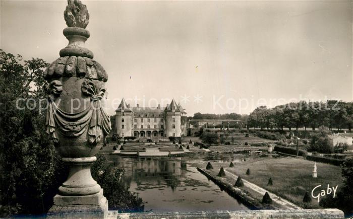 AK / Ansichtskarte Saint Porchaire Chateau de la Roche Courbon Parc Saint Porchaire