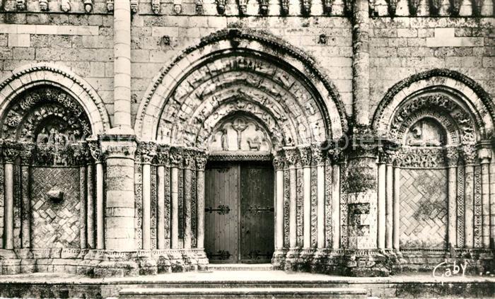 AK / Ansichtskarte Pont l_Abbe d_Arnoult Facade Eglise Romane XIIe siecle Pont l_Abbe d_Arnoult 0