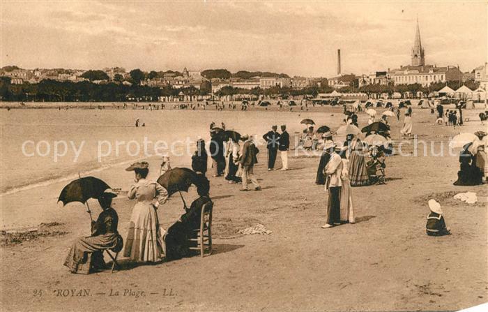 AK / Ansichtskarte Royan_Charente Maritime La Plage Royan Charente Maritime