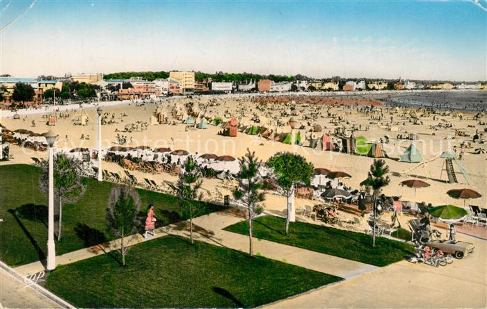 AK / Ansichtskarte Royan_Charente Maritime La plage les jardins de la Promenade Botton Royan Charente Maritime