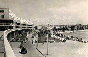 AK / Ansichtskarte Royan_Charente Maritime Sur le Front de Mer Casino Promenade Royan Charente Maritime