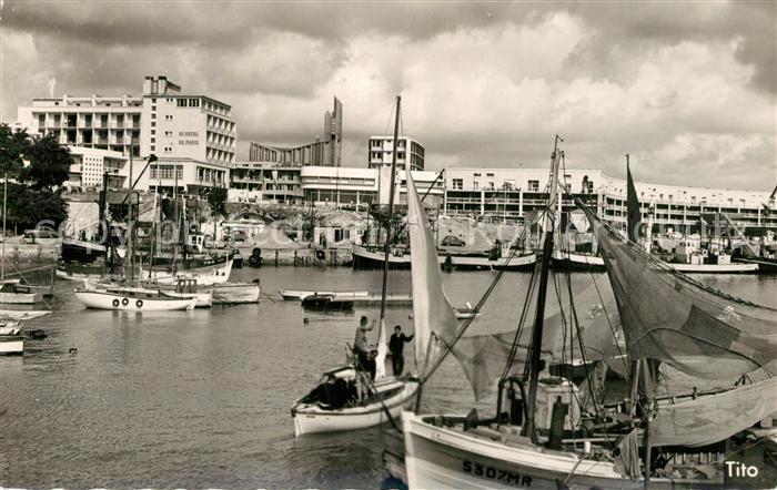 AK / Ansichtskarte Royan_Charente Maritime Le Port Bateaux Royan Charente Maritime 0