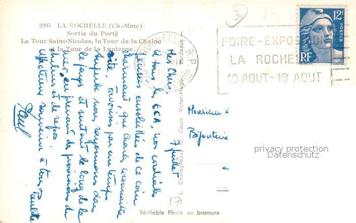 AK / Ansichtskarte La_Rochelle_Charente Maritime Sortie du Port et Tours Bateau La_Rochelle 1