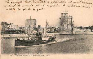AK / Ansichtskarte La_Rochelle_Charente Maritime Sortie du Port Bateau Tours La_Rochelle