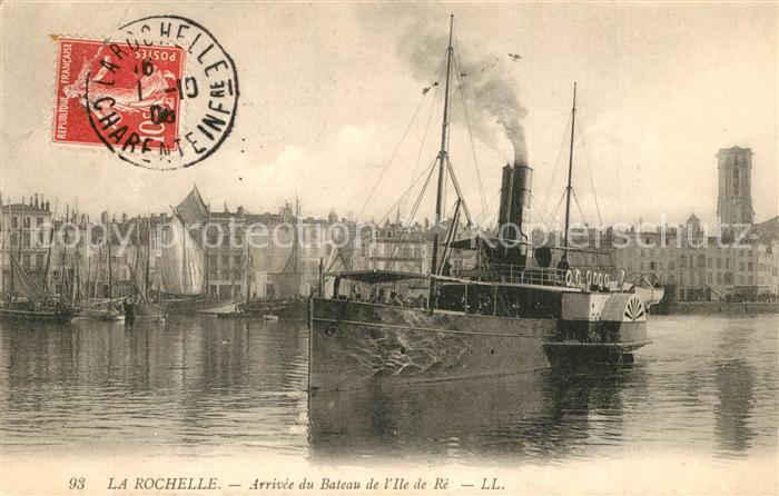 AK / Ansichtskarte La_Rochelle_Charente Maritime Arrivee du Bateau de l Ile de Re La_Rochelle