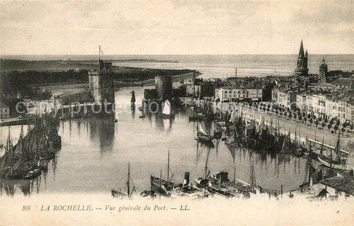 AK / Ansichtskarte La_Rochelle_Charente Maritime Vue generale du Port et Tours La_Rochelle
