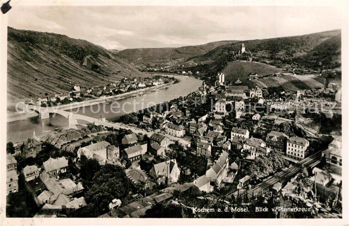 AK / Ansichtskarte Cochem_Mosel Blick vom Pinnerkreuz Panorama Cochem Mosel 0