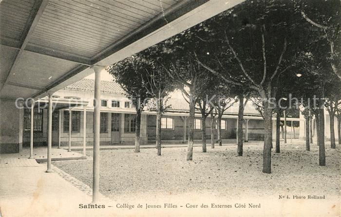 AK / Ansichtskarte Saintes_Charente Maritime College de Jeunes Filles Cour des Externes Cote Nord Saintes Charente Maritime