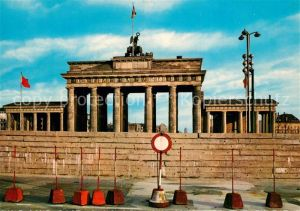 AK / Ansichtskarte Berlin Brandenburger Tor nach August 1961 Berlin