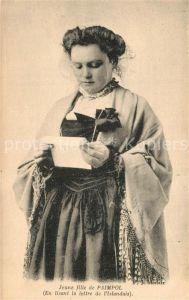 AK / Ansichtskarte Paimpol Jeune fille en lisant la lettre de l Islandais Paimpol