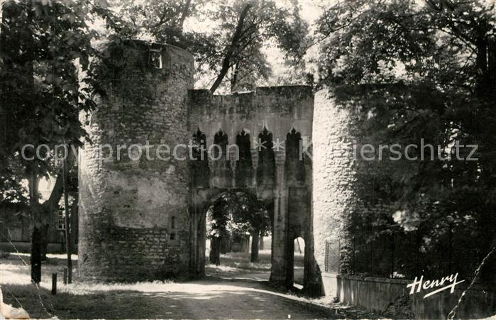AK / Ansichtskarte Vic sur Seille Portail de l'ancien Chateau episcopal Vic sur Seille