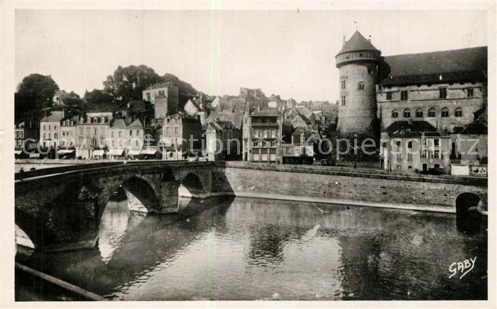 AK / Ansichtskarte Laval_Mayenne Vieux Pont sur la Mayenne et le Chateau Laval Mayenne