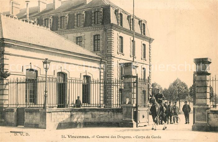 AK / Ansichtskarte Vincennes Caserne des Dragons Corps de Garde Vincennes 0