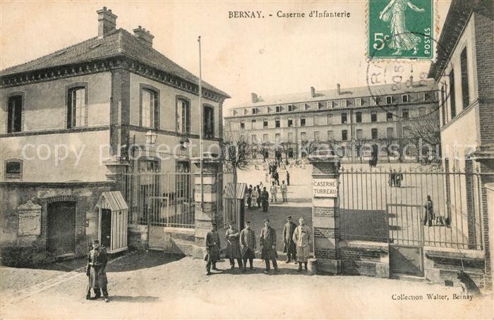 AK / Ansichtskarte Bernay Caserne d Infanterie Bernay