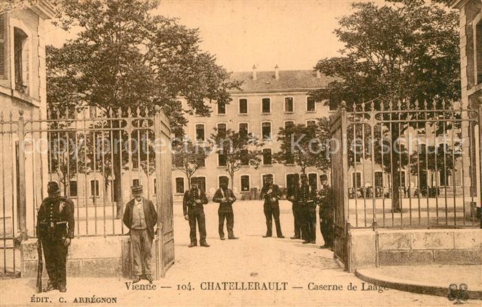 AK / Ansichtskarte Chatellerault Caserne de Laage Chatellerault 0