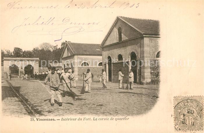 AK / Ansichtskarte Vincennes Interieur du Fort La corvee de quartier Vincennes 0