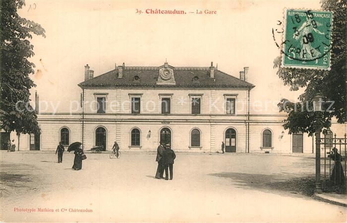 AK / Ansichtskarte Chateaudun La Gare Chateaudun 0