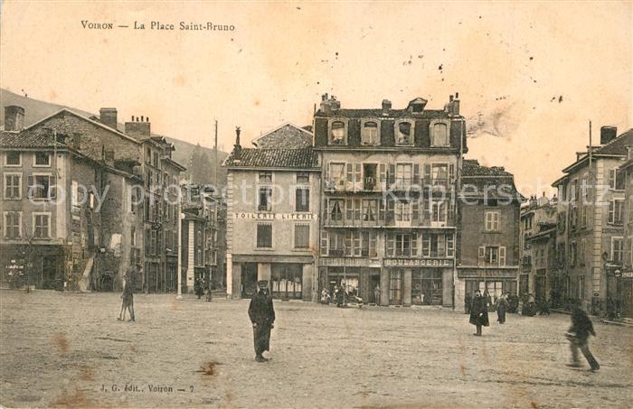 AK / Ansichtskarte Voiron La Place Saint Bruno Voiron