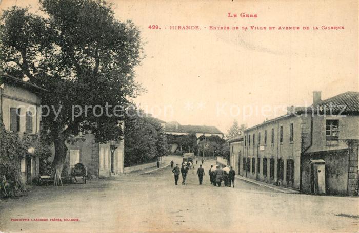 AK / Ansichtskarte Mirande Entree de la Ville et Avenue de la Caserne Mirande