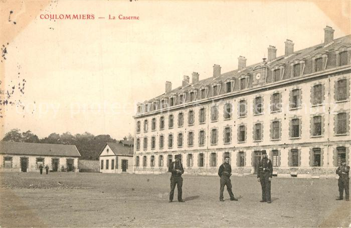 AK / Ansichtskarte Coulommiers La Caserne Coulommiers
