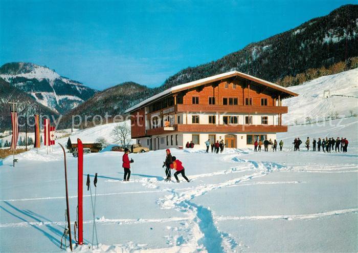 AK / Ansichtskarte Erpfendorf Gasthof Pension Laerchenhof Winter Erpfendorf