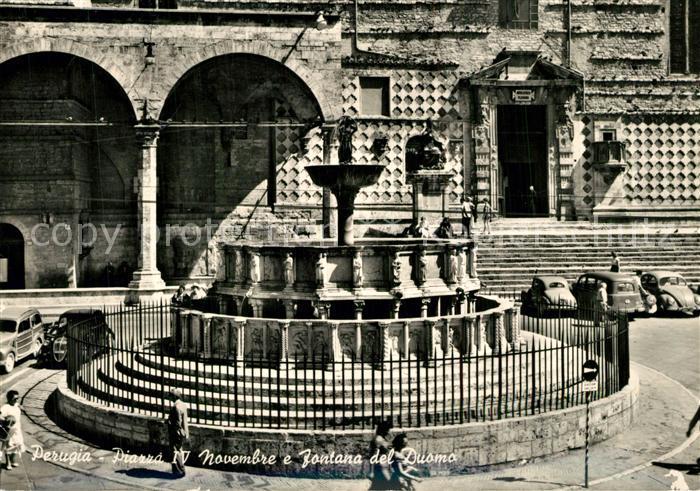 AK / Ansichtskarte Perugia Piazza IV Novembre e Fontana del Duomo Perugia