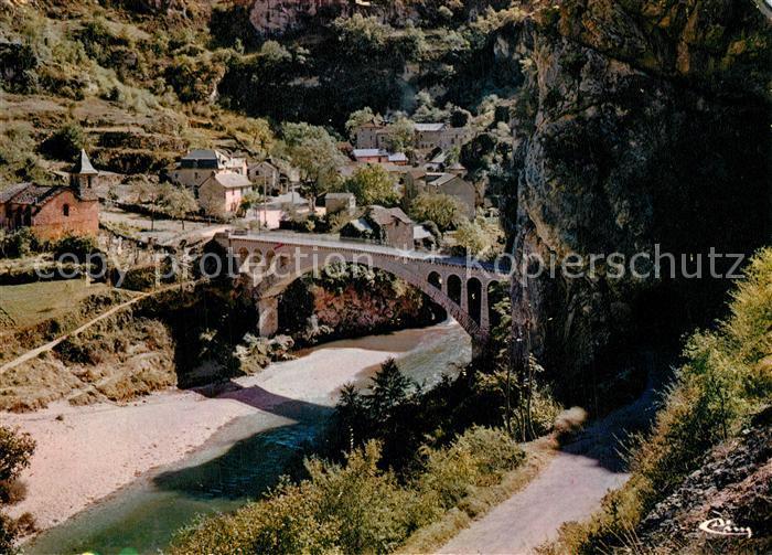 AK / Ansichtskarte Lozere_Region Les Gorges du Tarn St Chely du Tarn Bati a l'entree d'un Bout du Monde ce joli une belle eglise romane Lozere Region