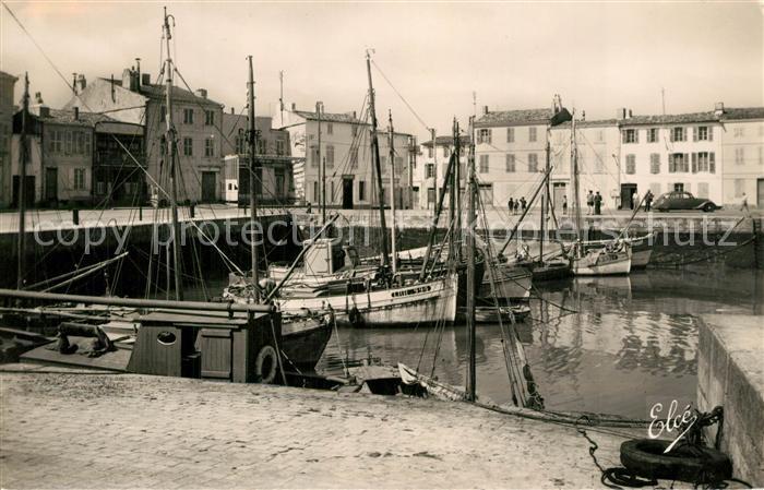 AK / Ansichtskarte Ile_de_Re La Flotte Le Port les Quais Ile_de_Re