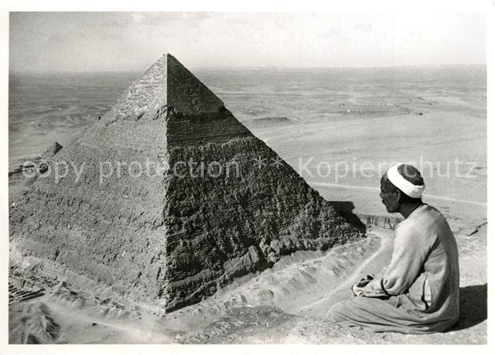 Gizeh Spitze der Cheopspyramide Blick in die Wueste mit Chefrenpyramide Schweizer Verein Mohammedaner Mission Gizeh